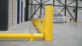 Kunststof doorrijbeveiliging ø100 mm. -1000mm.x155mm. brede voetplaat