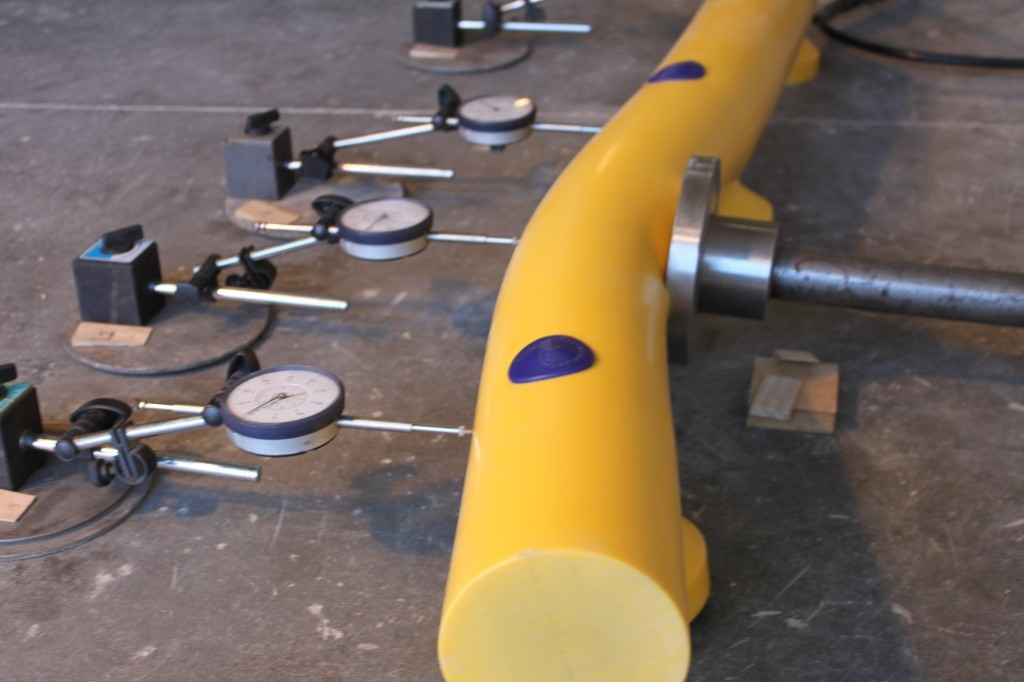 Kunststof doorrijbeveiliging ø 120mm. 2000mm.x275mm brede voetplaat
