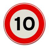 Verkeersbord met snelheidsaanduiding 10