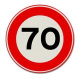 Verkeersbord met snelheidsaanduiding 70