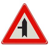 Verkeersbord B4 Voorrangskruispunt zijweg links