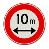 Verkeersbord C17  Gesloten voor voertuigen die, met inbegrip van de lading,langerzijn dan op het bord is aangegeven.