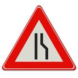 Verkeersbord J18 -Waarschuwing voor rijbaan versmalling rechts