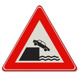 Verkeersbord J26 - Waarschuwing voor kade of rivieroever