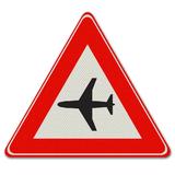 Verkeersbord J30 - Waarschuwing voor laagvliegende vliegtuigen