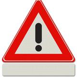Verkeersbord J37 - Waarschuwing voor (de aard van het gevaar is aangegeven op het onderbord)