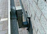 Beschermingsrail type b bevestiging aan muur