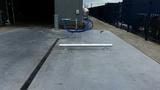 Doorrijbeveiliging rond 114 op 88,9 met voetplaat | lang 2000mm. | hoog 200 mm.